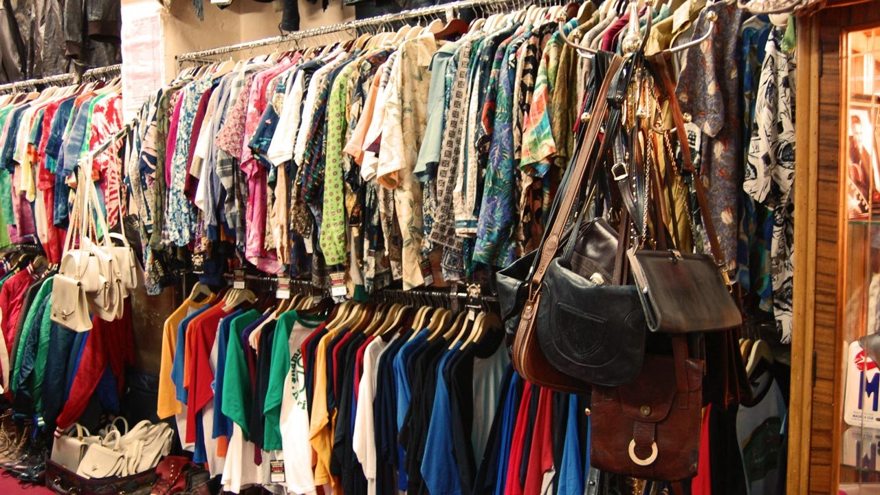 CHRISTMAS: LAGOS CLOTH SELLERS DECRY LOW PATRONAGE