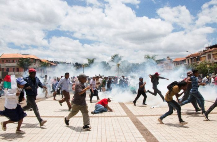 MADAGASCAR POLICE FIRE TEARGAS TO DISPERSE 500 SUPPORTERS OF LOSING CANDIDATE