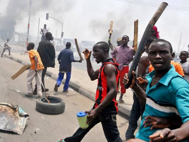 VIOLENCE ERUPTS IN ANAMBRA STATE AHEAD OF GENERAL ELECTIONS