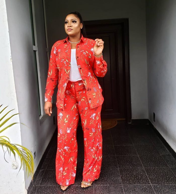 OMOTOLA GLOWS IN FLORAL OUTFIT