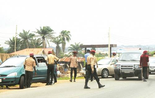 BRIBE: FRSC OFFICIALS ARRESTED FOR EXTORTING NIGERIANS ON HIGHWAYS