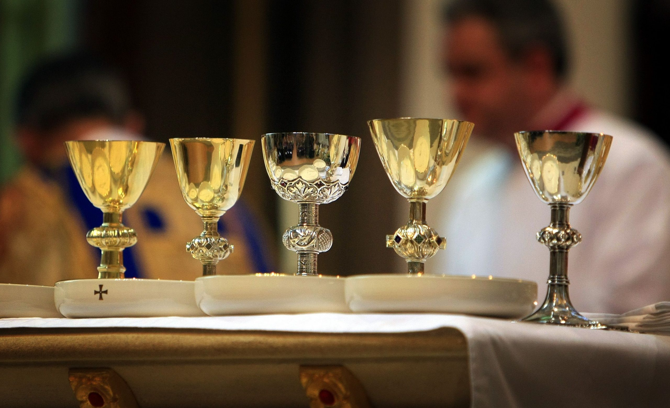 CORONAVIRUS: CHURCH BANS USE OF COMMON CUP FOR HOLY COMMUNION