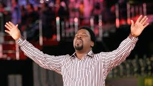 """TB JOSHUA FASTS AND PRAYS ON THE MOUNTAIN,""""REFUSES TO EAT UNTIL COVID-19 IS DEFEATED"""" (VIDEO)"""