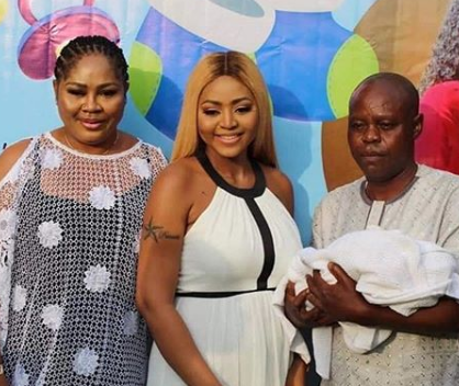 REGINA DANIELS' FATHER MAKES PEACE WITH HER BILLIONAIRE HUBBY, NED NWOKO. PHOTOS