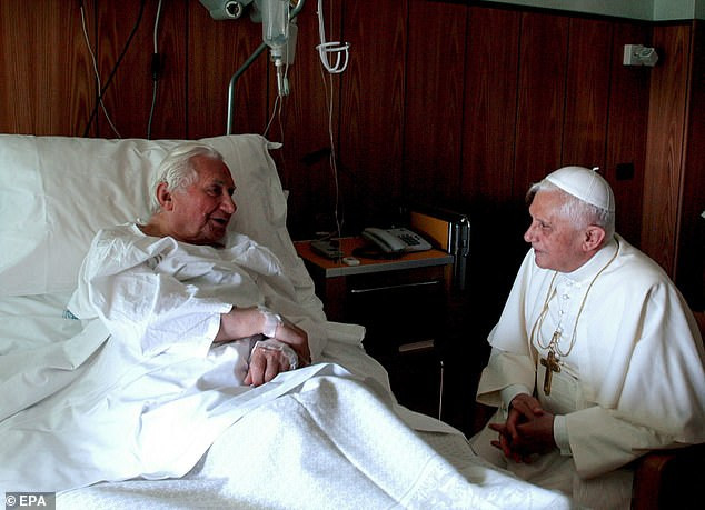 RETIRED POPE BENEDICT XVI'S OLDER BROTHER, MONSIGNOR GEORG RATZINGER, DIES AT 96