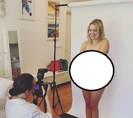 WOMAN KICK-STARTS A CAMPAIGN TO PHOTOGRAPH 500 WOMEN'S PRIVATE PARTS TO PROVE THEY ARE BEAUTIFUL (PHOTOS)