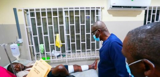VIDEO OF VICTIMS OF LEKKI TOLL GATE SHOOTINGS BEING TREATED AT THE HOSPITAL
