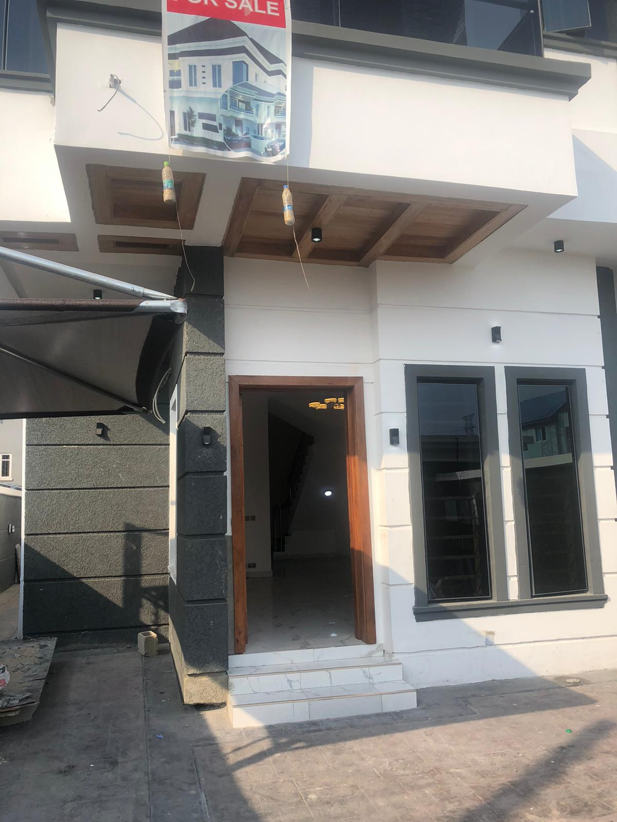 Lovely 4 bedroom full detached duplex with amazing features for sale in an exclusive Neighborhood in Lekki