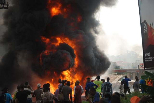 Fuel tanker explodes in Ibadan (photos)