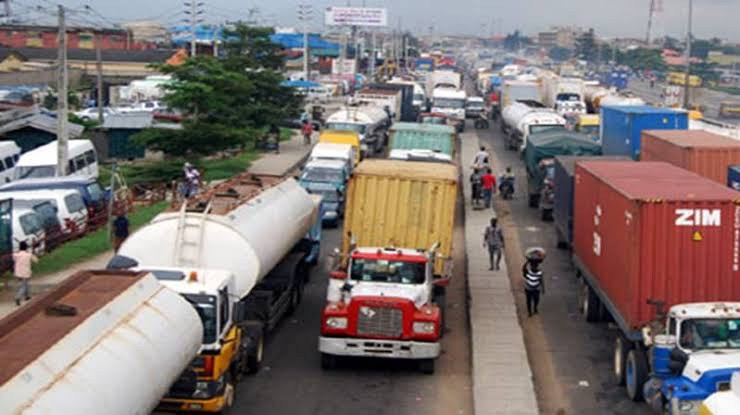 LAGOS STATE GOVT BANS TRUCKS AND TRAILERS FROM PLYING ROADS IN THE STATE DURING THE DAY