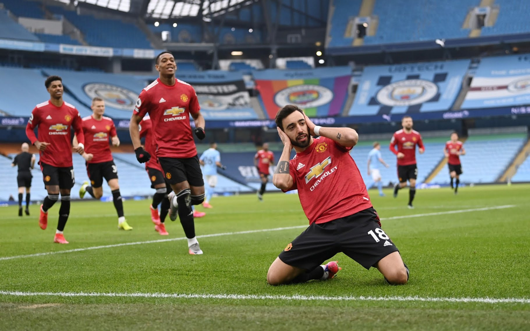 MANCHESTER CITY'S RUN OF 21 SUCCESSIVE VICTORIES IS OVER AS MANCHESTER UNITED BEAT THEM 2-0 AT THE ETIHAD