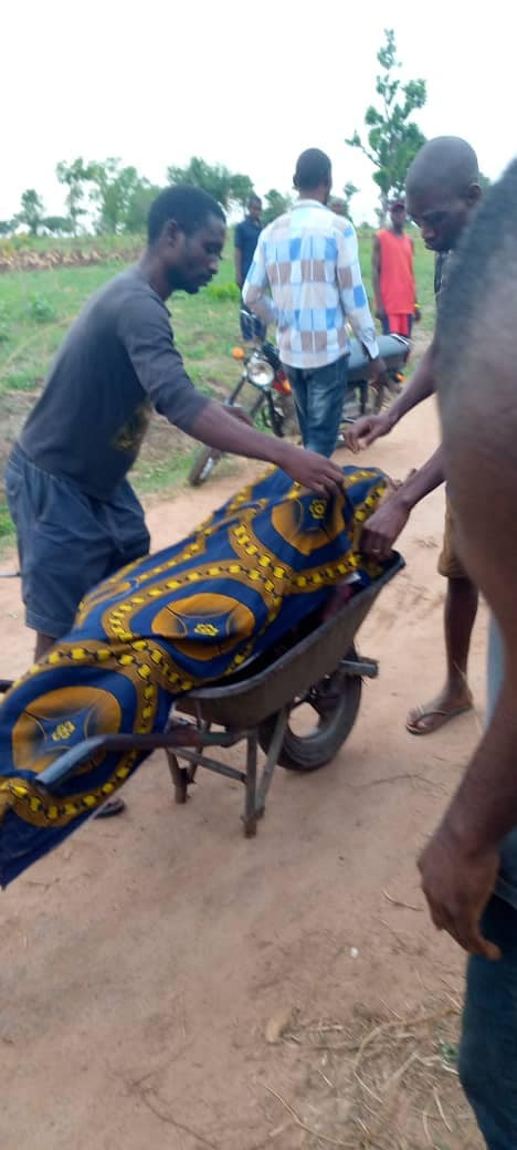 SUSPECTED FULANI HERDSMEN HACK MAN AND HIS WIFE TO DEATH IN BENUE (PHOTOS)