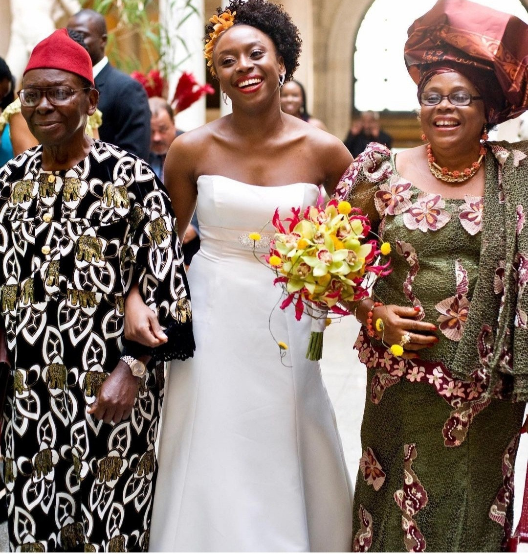 CHIMAMANDA ADICHIE SHARES PHOTOS FROM HER WEDDING AS SHE REVEALS HOW SHE BROKE WITH CONVENTION TO INSPIRE YOUNG WOMEN/MEN.PHOTOS