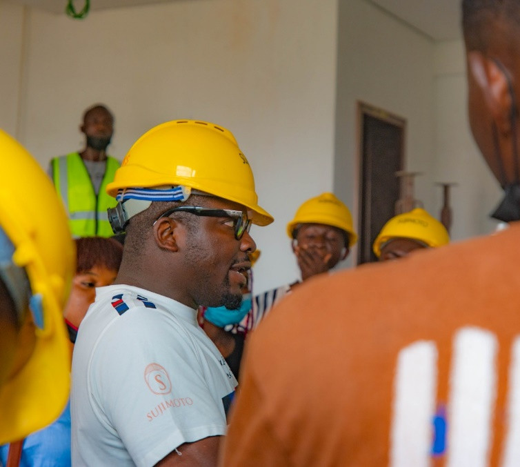 STUDENTS OF THE GREATEST UNIVERSITY OF IFE, MEET WITH NIGERIA'S LUXURY KING – SUJIMOTO
