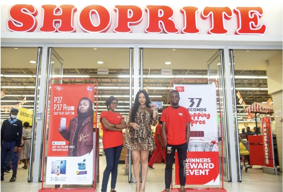 ITEL FULFILLS PROMISE TO CUSTOMERS, TAKES THEM ON 37 SECONDS SHOPPING SPREE…