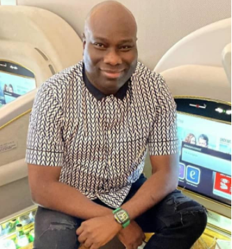 """""""I AM NOT A FRAUDSTER AND NOT IN ANYWAY ASSOCIATED WITH FRAUDSTERS"""" – MOMPHA DENIES REPORTS EFCC ASKED HIM TO LAY LOW BECAUSE OF HUSHPUPPI. PHOTOS"""