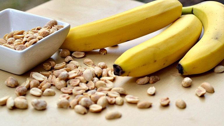 CONSUME BANANA AND GROUNDNUT REGULARLY TO HELP PREVENT THESE 4 HEALTH CONDITIONS.