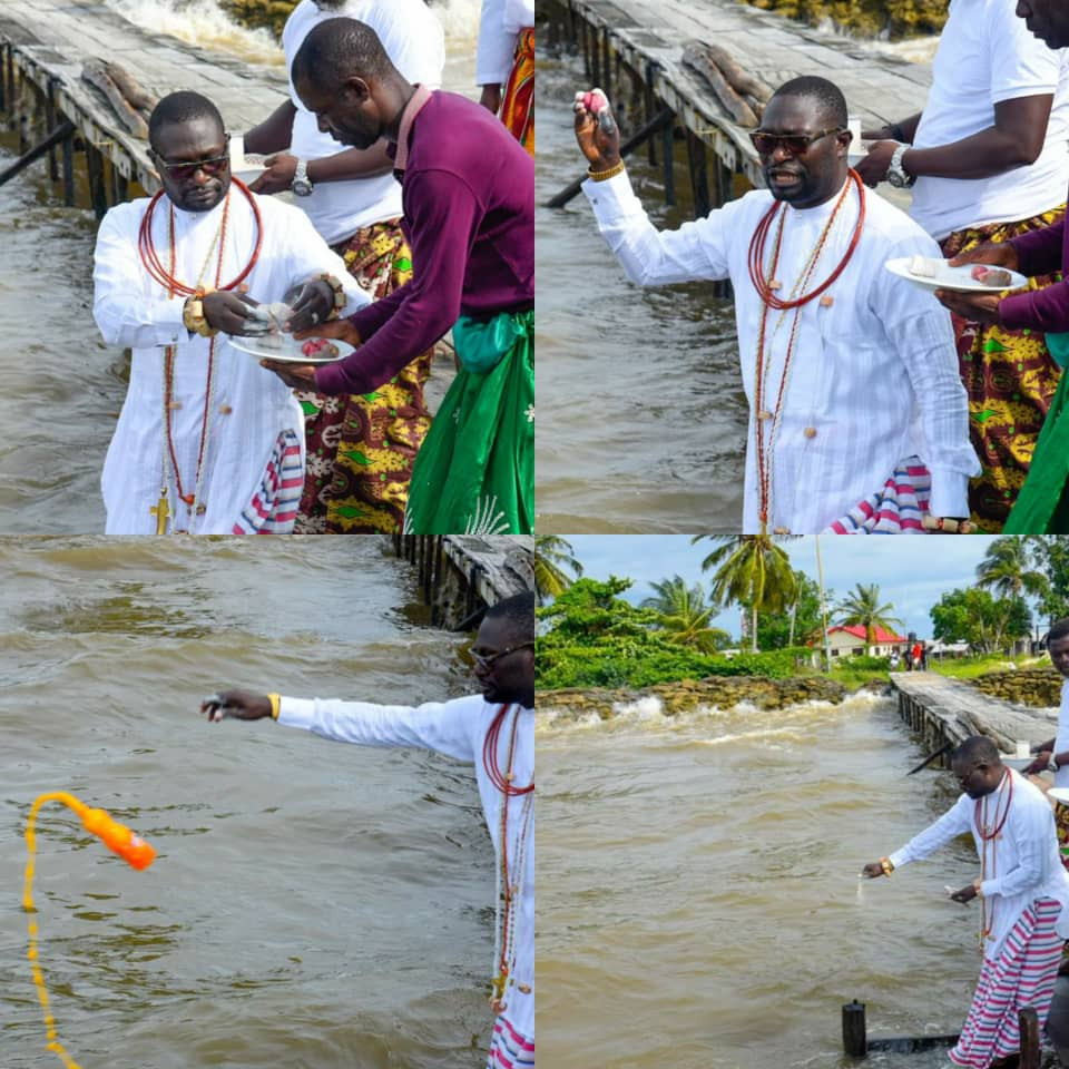 BILLIONAIRE BUSINESSMAN, AYIRI EMAMI, PAYS HOMAGE TO THE GODS DAYS AFTER NEW OLU OF WARRI DISPLACED HIM AS PRIME MINISTER OF WARRI KINGDOM (PHOTOS)