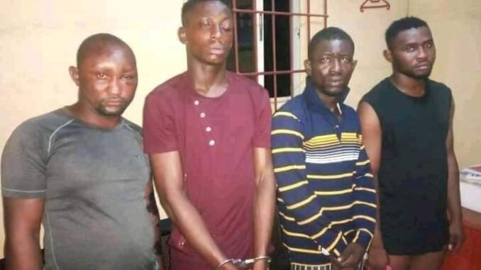 LAGOSIANS SHOULD TAKE NOTE OF HOW THIS MURDERER WAS ARRESTED AFTER MATCHETING A POS AGENT IN LAGOS. PHOTOS