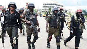 UPDATE: THE FOUR POLICE OFFICERS CAUGHT ON CAMERA ATTACKING A TRAVELER ALONG AN EXPRESS ROAD IN KOGI HAVE BEEN ARRESTED